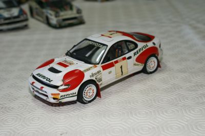 vendo 12 miniaturas Rally escala 1/24 -