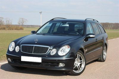 mercedes benz e 220 cdi avantgarde station 2004 10500 euros. Black Bedroom Furniture Sets. Home Design Ideas