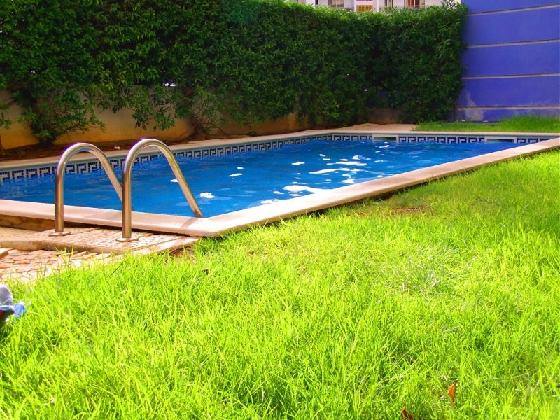 T1 com piscina e jardim vago de 14 a 25 de junho for Piscina lidl